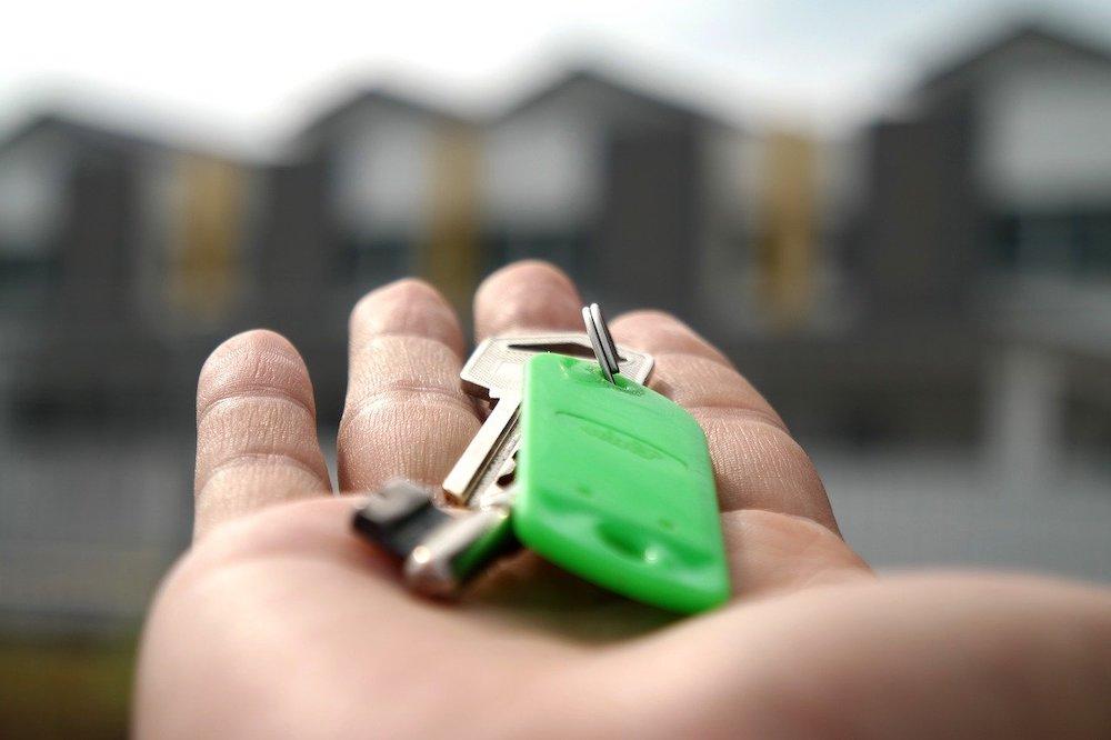 quand un courtier immobilier vous apporte les clés de chez vous